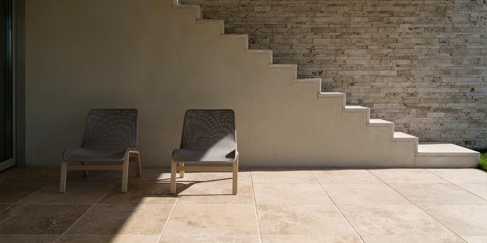 I sassi di assisi marmo e pietre naturali per esterni for Sassi finti per esterno